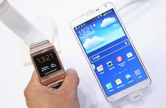 Samsung phones running Android 4.3 and above can sync with a compatible smartwatch.