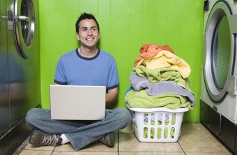 Amenities such as free Internet access are great selling points on Laundromat business cards.