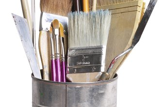 Paint brushes are just one of the eligible tax deductions for an artist.