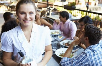 Servers in traditional restaurants made an average of $9.87 per hour as of May 2013.