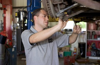 Army civilian auto mechanic jobs come with certification and/or experience requirements.