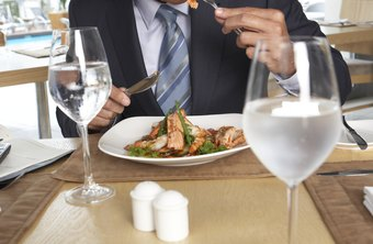 How long you're away matters more than how far you travel when it comes to deducting business meals.