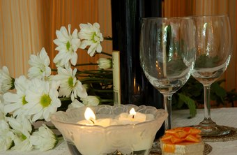 PartyLite consultants demonstrate various products in the consultant kits at parties.