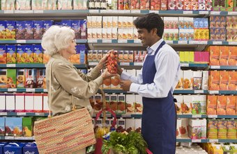 Good grocery clerks are always eager to answer customers' questions.
