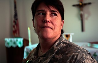 Army Reserve clinical psychologists provide counseling to the troops.