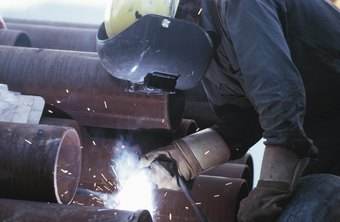 Pipeline welder helping is a very physical job, requiring long hours on your feet and lifting heavy materials.