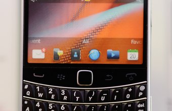 Organize your text and email messages on the BlackBerry Bold by splitting them into two sections.