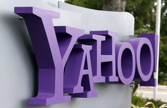 Yahoo Messenger lists your online contacts.