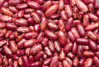 Kidney beans contain fiber, iron, zinc and vitamin C.