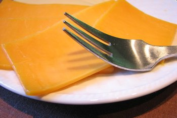 One ounce of Colby cheese contains 112 calories.