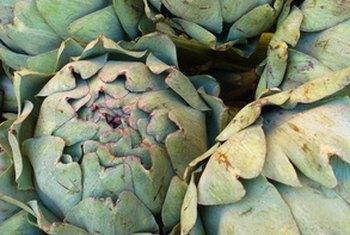 One medium artichoke contains 61 calories.
