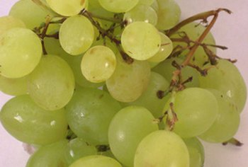 Grapes are a nutritious source of vitamin C.