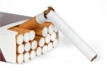 Breaking the smoking habit doesn't have to lead to weight gain.