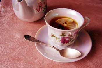 Decaffeinated tea is rich in antioxidant polyphenols.