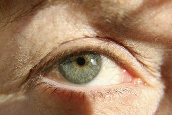 Your retinas can benefit from a diet high in antioxidants.