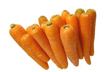 A 1-cup serving of chopped carrots contains 52 calories.