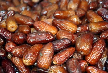 Dates provide a healthy source or iron and potassium.