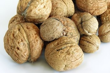 Walnuts contain magnesium and vitamin E as well as other vitamins and minerals.