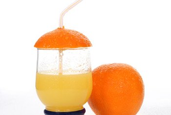Mixing liquid iron into orange juice and drinking with a straw can prevent side effects.
