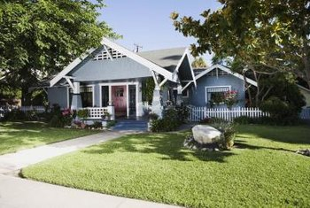 Low-slung bungalows can pose landscaping challenges for homeowners.