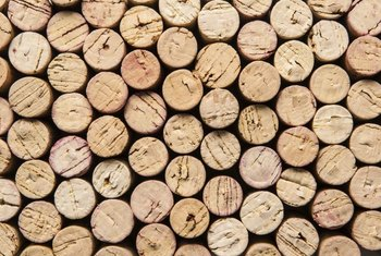 Make a wine cork bowl for your own home or as a gift for a friend.
