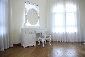 Amazing White Blends Into Many Decorating Schemes.