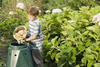 The Best Organic Soil Mix For Growing Vegetables Includes Compost, Manure,  Rock Dust And