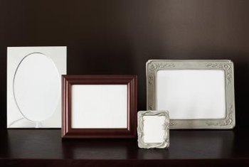 Use frames of different sizes to creat visual interest.