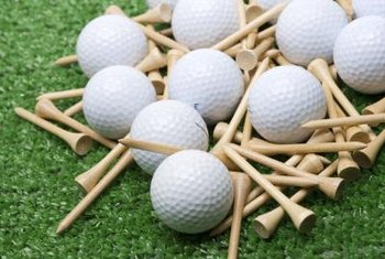 Arrange golf balls, tees and faux turf into eye-catching centerpieces.