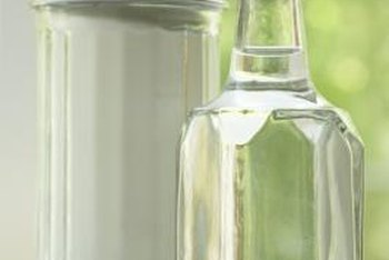 How To Use Vinegar For Cleaning Algae From Garden