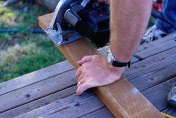 Always use a sharp blade when cutting lumber with a power saw.