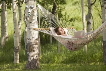 Hammocks made of rope or breathable fabric are more comfortable on hot days.