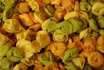 The curled, crinkled leaves of Indian rope are shaped like tortellini.
