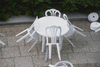 Give Your Plastic Patio Furniture A Facelift To Change Its Color.