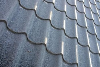 A welll-insulated metal roof keeps down heating and cooling costs.