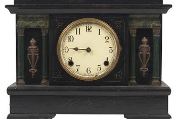 Civil War-era wooden mantel clocks can be easily identified.