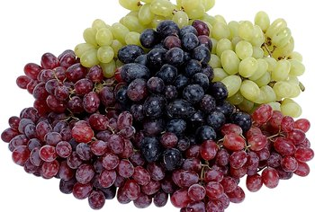 All grapes are healthy choices, but purple grapes provide additional benefits.