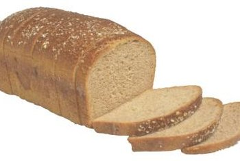 Bread contains more vitamin B-3, but less fiber and iron than bagels.