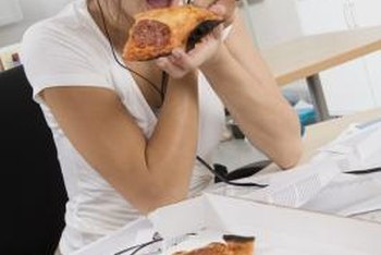 Side effects of gluten sensitivity can include feeling fuzzy-headed, as well as diarrhea and joint pain.