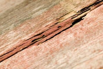 Cracks on the edges of solid flooring boards are a sign of oversanding.