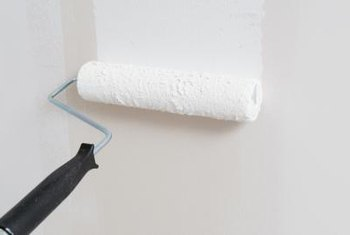 The ceiling stippling technique uses a paint roller to apply joint compound.