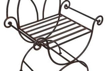 Wire chairs have many places that can trap rust.