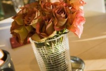 Properly dried roses make attractive floral arrangements.