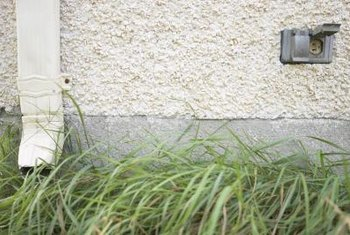Exterior outlets without ground fault protection are dangerous.