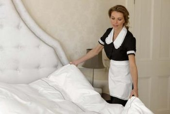 Make your own boutique-hotel-quality comforter.