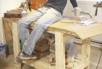 Top material for workbenches depends on usage and design.