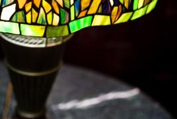 Globally popular Tiffany lamps inspired many imitators.
