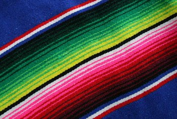 The dominate colors of a serape appear in the largest stripes.