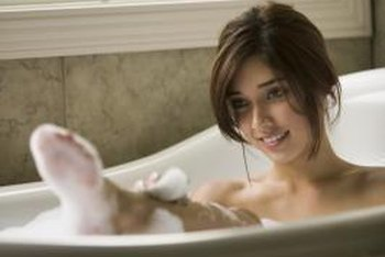 How to make bathrooms smell good home guides sf gate - How to keep a bathroom smelling fresh ...