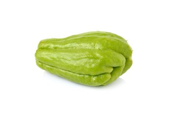 Eating moderate amounts of chayote may have health benefits.